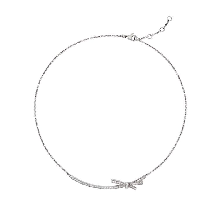 This delicate necklace will make an elegant addition to your outfit