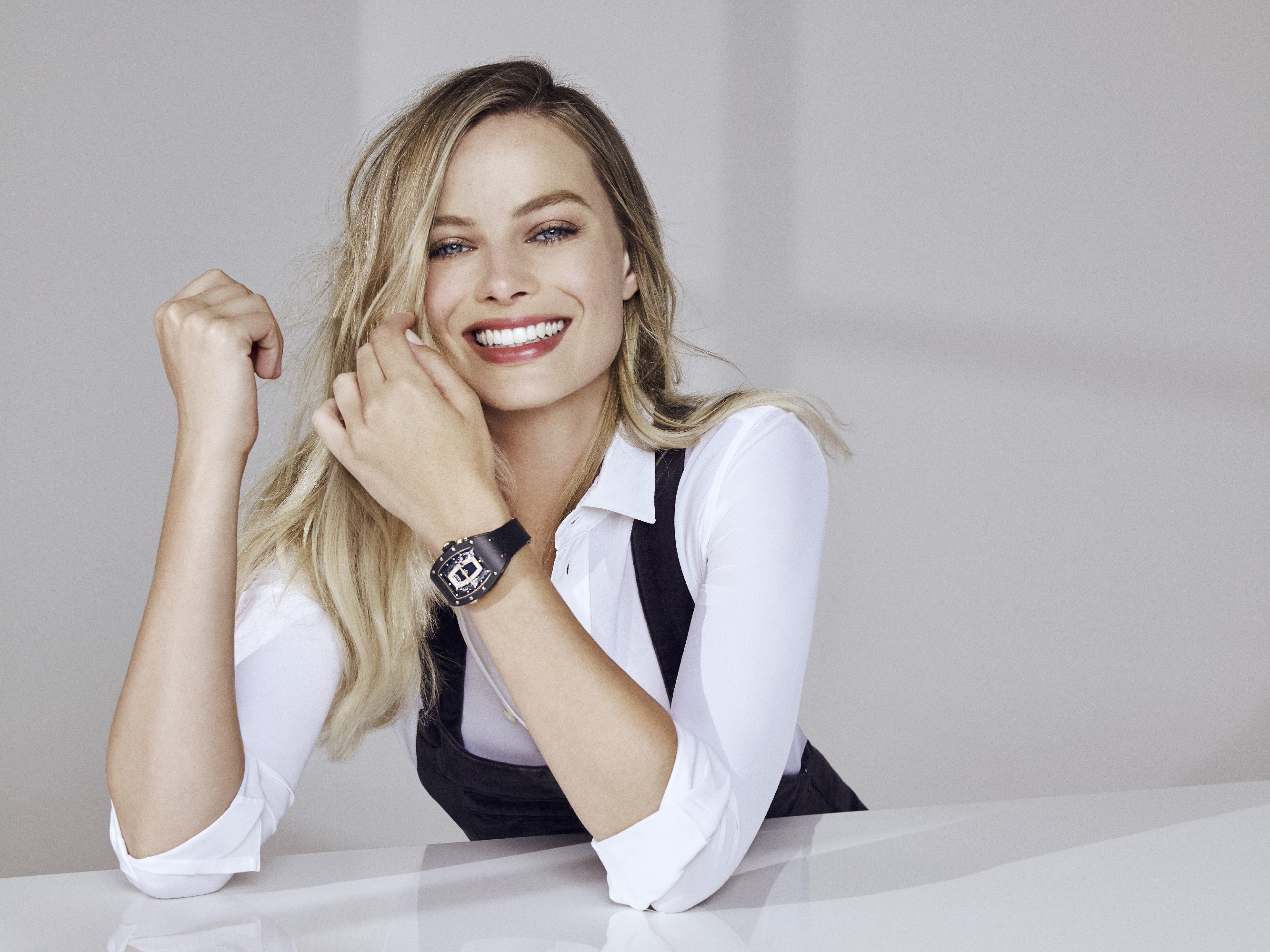 Brand partner Margot Robbie and the RM 037 in TPZ black ceramic