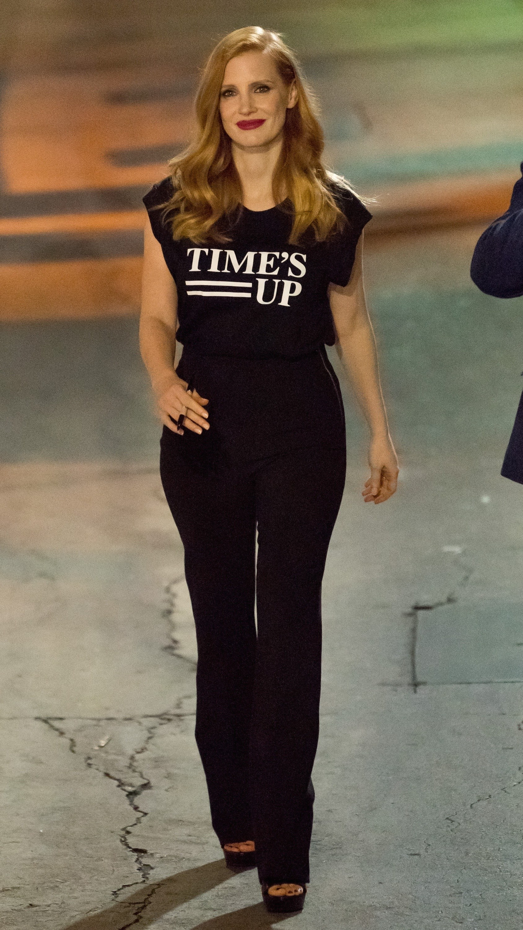 Jessica Chastain in a #TimesUp tee (Photo: Getty Images)