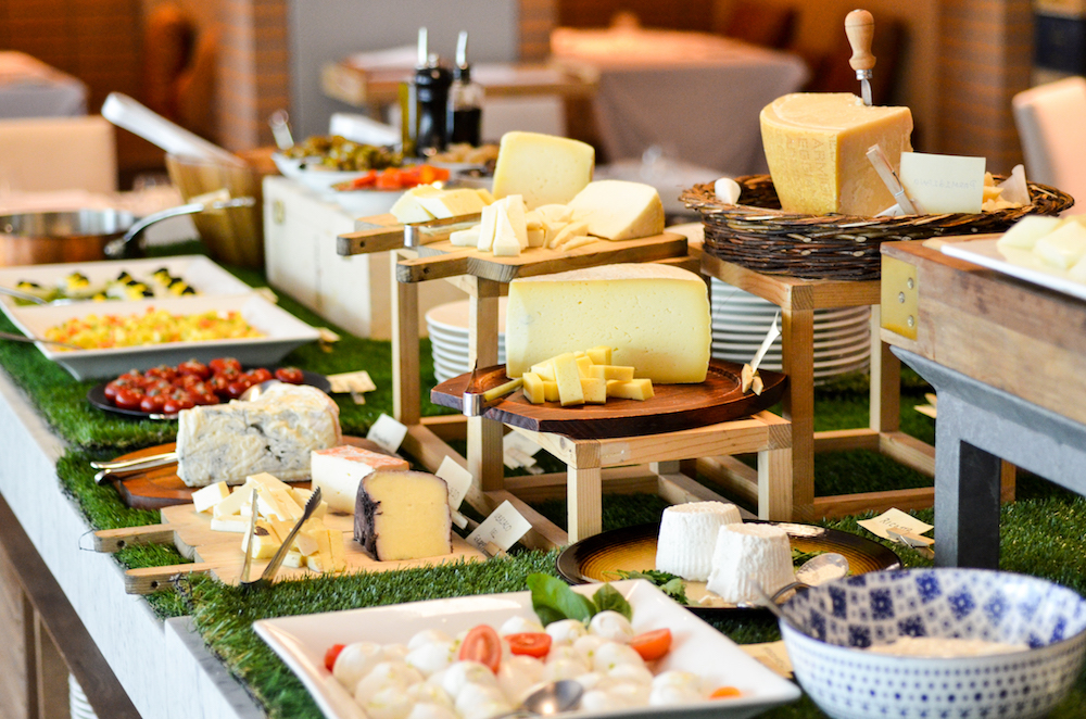 Buffet Counter,  offering a wide selection of cheeses, cold cuts, seasonal salads, and the unmissable egg station.