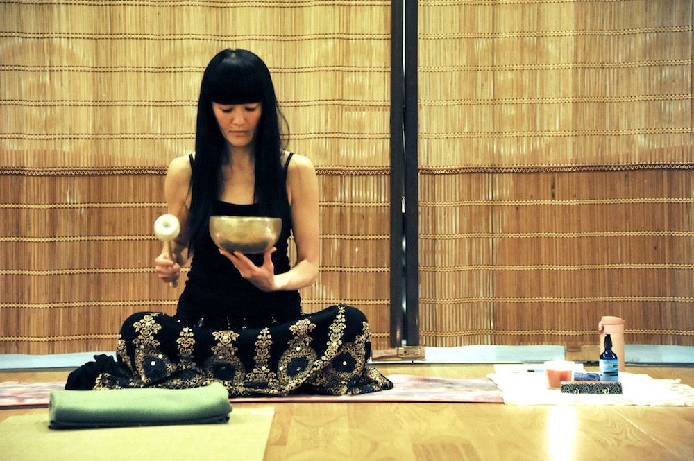 Anne Fong Braillard, gong sound therapist and reiki master