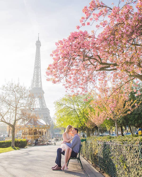 Paris' Parc du Champ de Mars in spring (Photo: @paris_photographer)