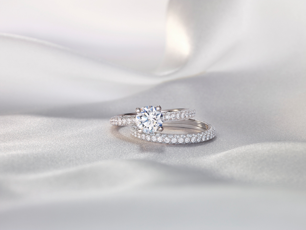 De Beers Darling Diamond Ring & Matching Band