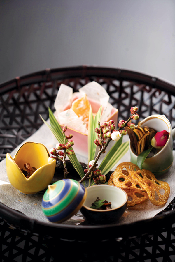Chikurintei offers ryokan accommodation and regional dishes
