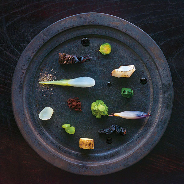 An exquisitely plated dish at Zaborin (Credit: Shouya Grigg)