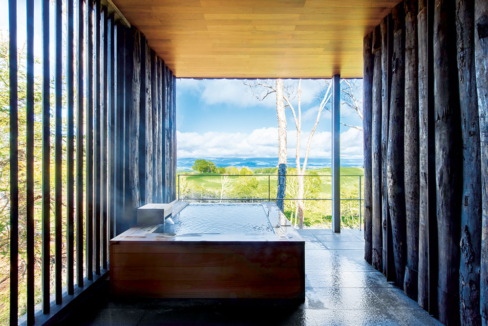 A hot bath with a view at Zaborin (Credit: Shouya Grigg)