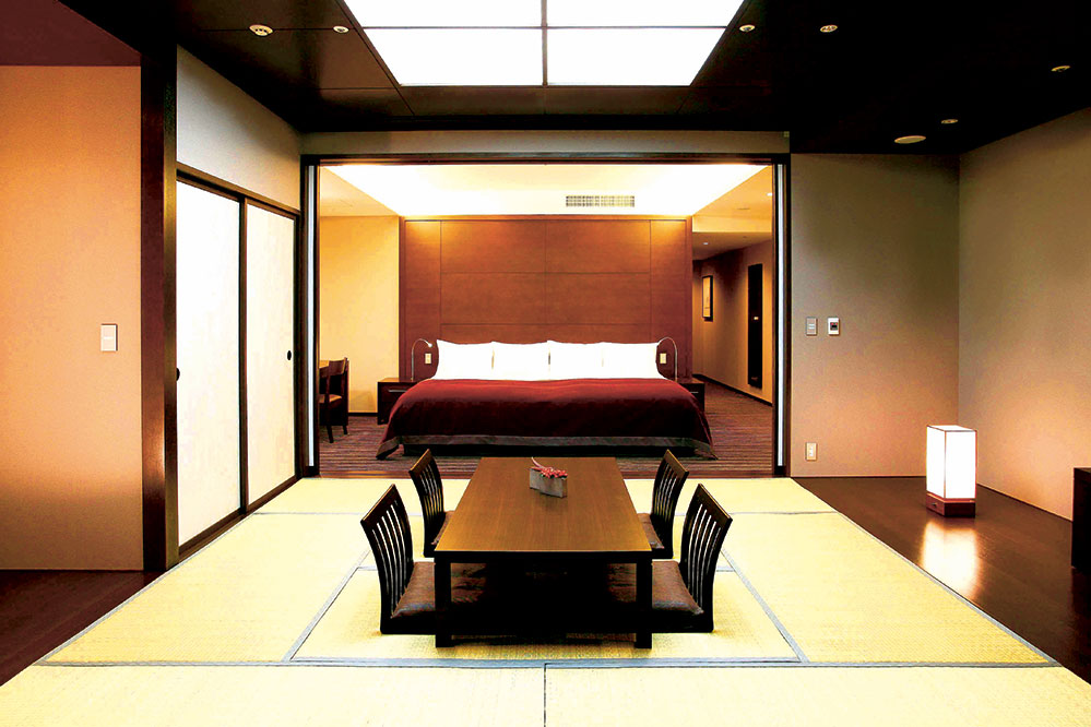A deluxe twin and tatami room at the Hyatt Regency Hakone