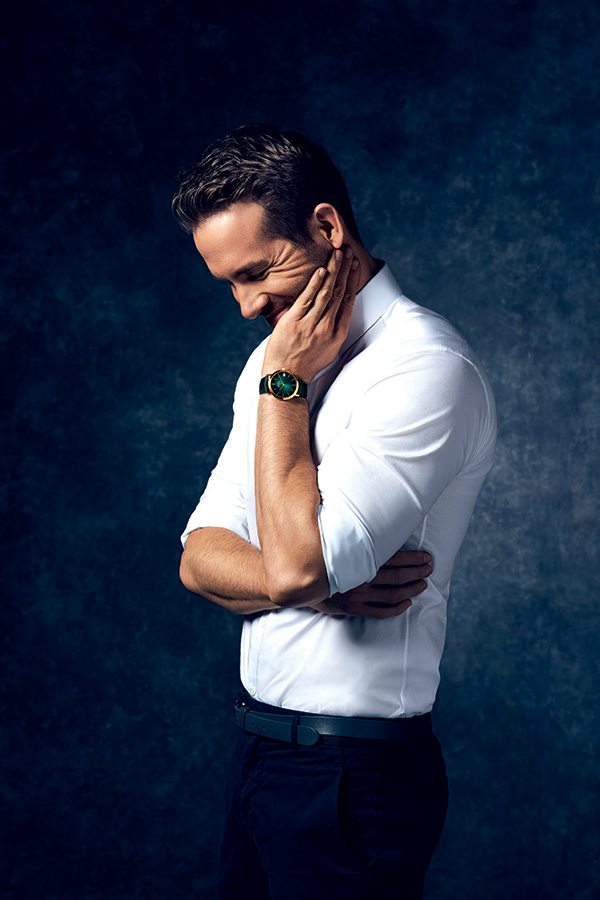 Ambassador Ryan Reynolds wears the 40mm Altiplano 60th Anniversary with a green dial