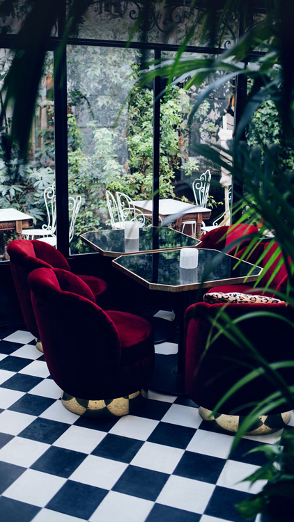 A hidden Montemartre oasis that you can find with You me Paris