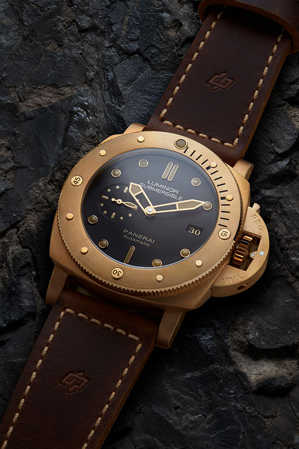 The Panerai Luminor Submersible 1950 3 Days Automatic Bronze 47mm will be auctioned by Sotheby's