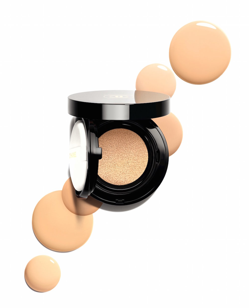 Chanel's Vitalumière Glow cushion foundation