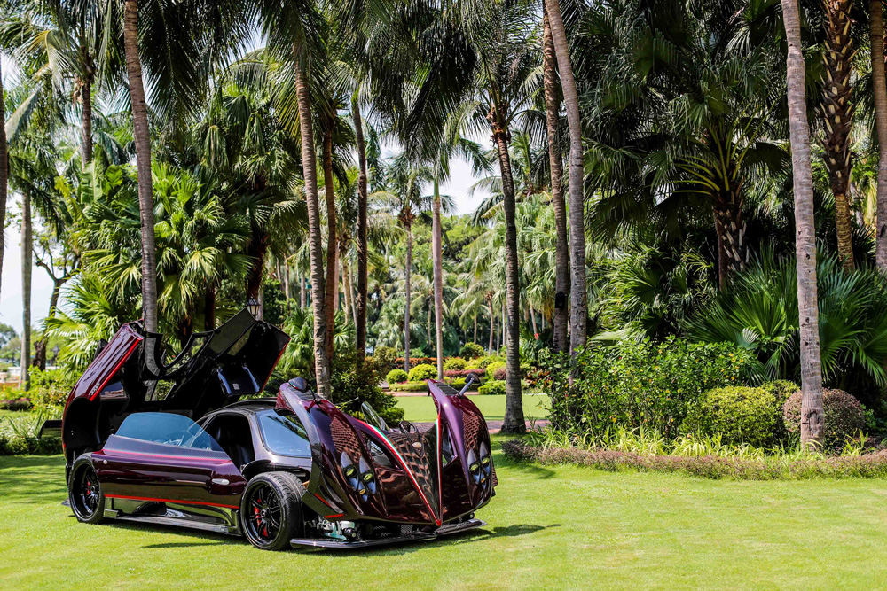 The Pagani Fantasma Evo