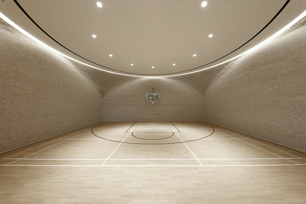The striking basketball court