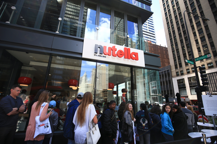 The queue never ends at the Nutella Café