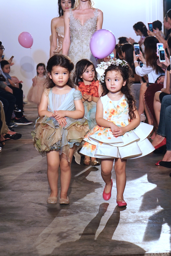 Right! Little miss junior girl models variant