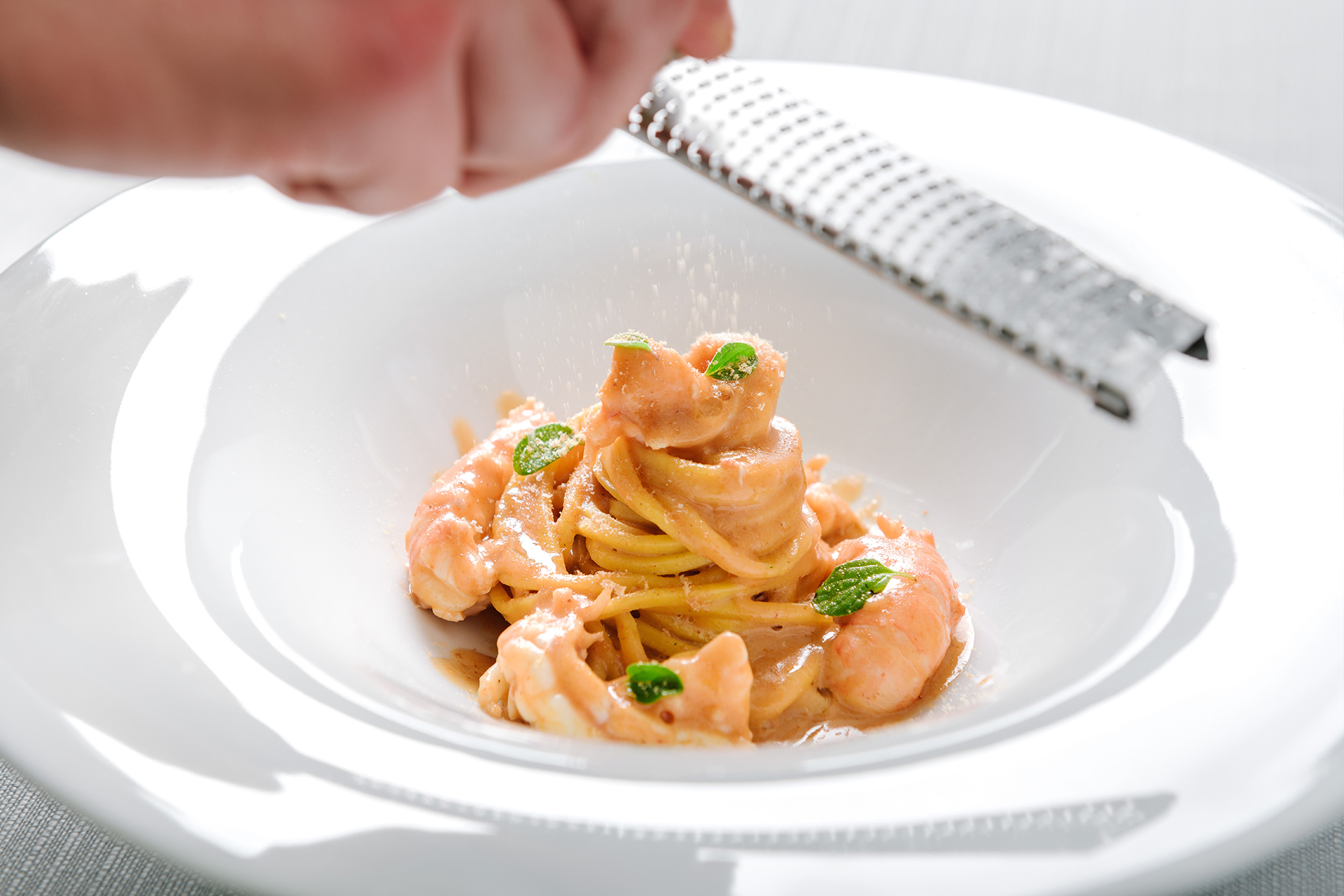 Spaghetti alla chitarra with prawns and bottarga at Una Finestra sul Lago