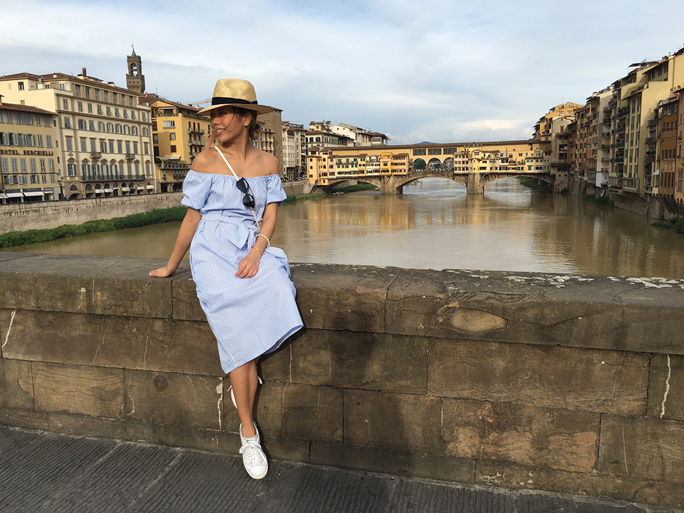 Alexa Bui holidaying in Italy