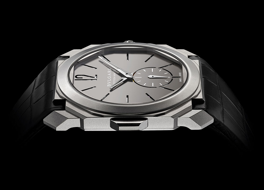 The watch has an ultra-thin case of 6.85 mm and a movement thickness of 3.12 mm