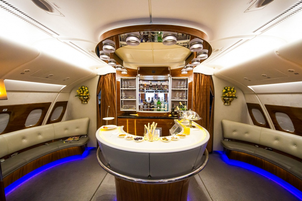 A bar in the sky on Emirates