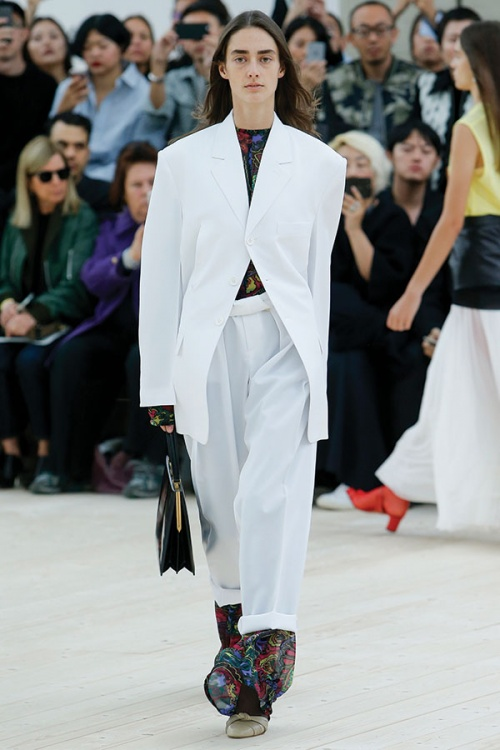 Relaxed tailoring from Céline