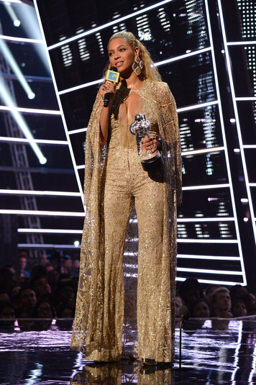 "Beyonce received the Best Female Video Award for her video ""Formation"" wearing Elie Saab Haute Couture"