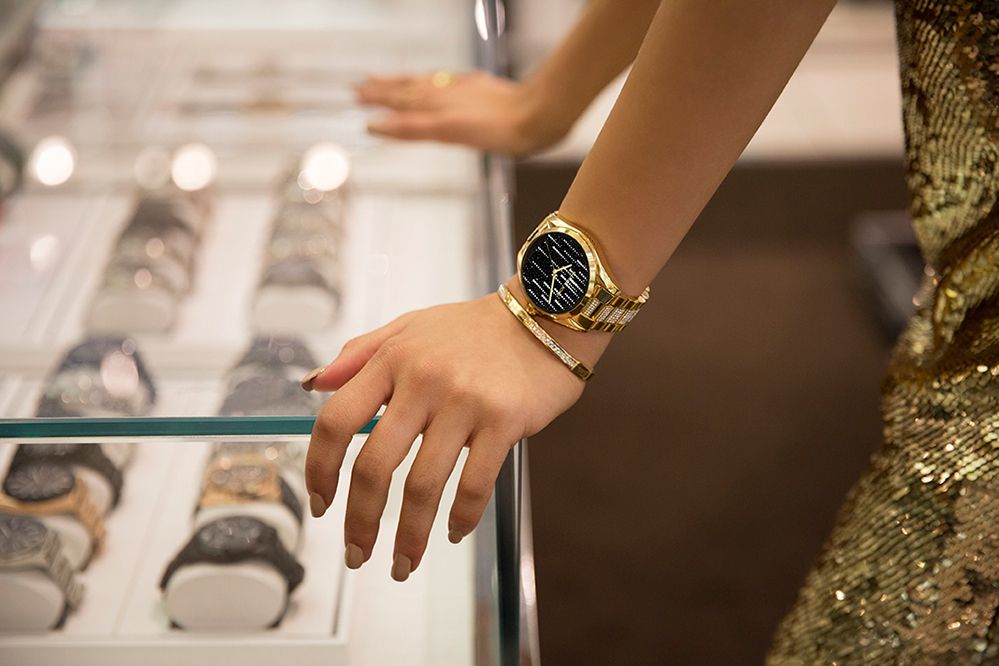 35e15ee54b58 Michael Kors Takes on Future Fashion With Release of New Smartwatch ...