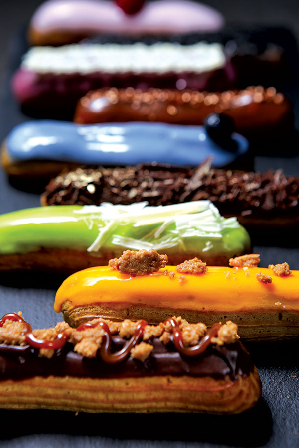 An extravagant selection of éclairs
