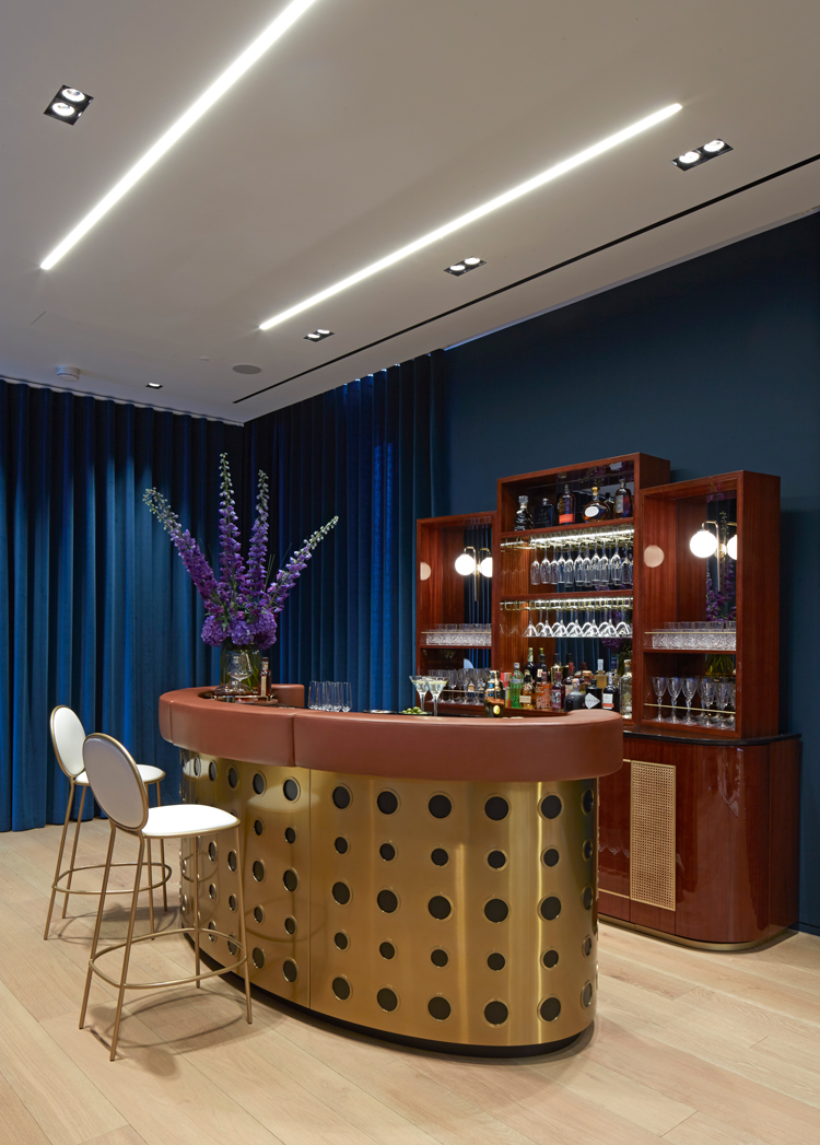 A private bar to practice your mixology skills