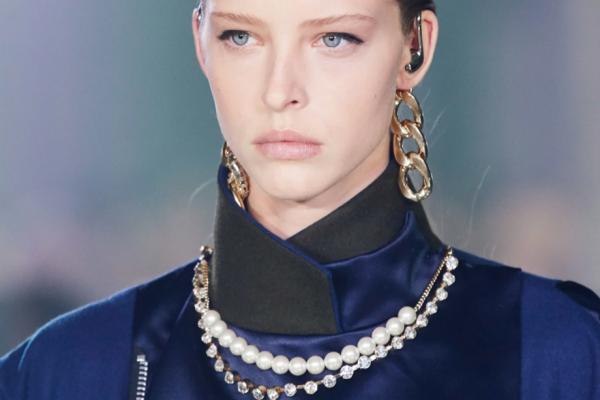key-jewellery-pieces-to-wear-fall-20-runway-6hero