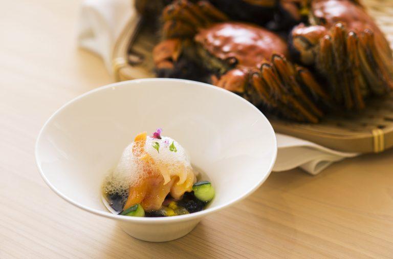 Akagai-Sashimi-with-Mozuku-Seaweed-Passion-Fruit-Foam
